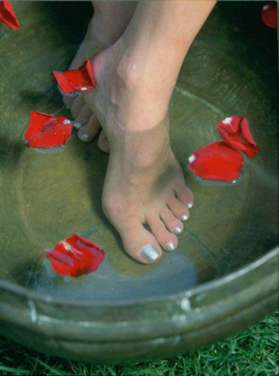 piedi-ben-curati-e-unghie-perfette